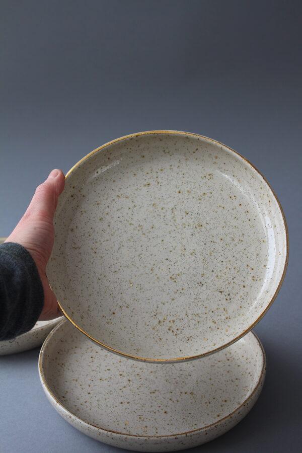 Raiba krūze vai šķīvis